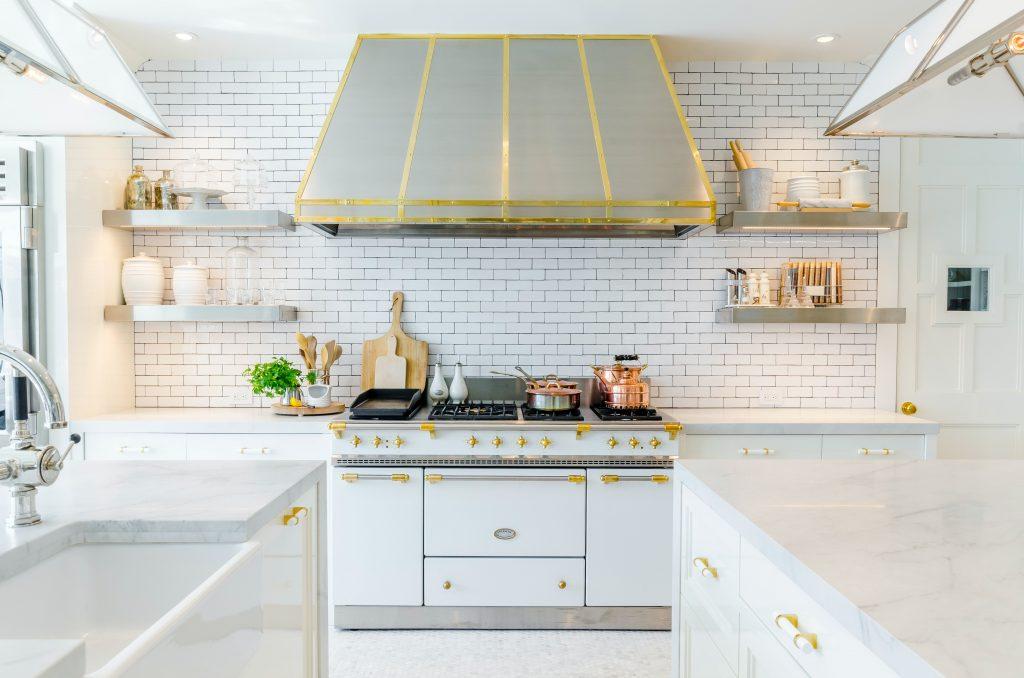 Kitchen remodel in Texas, white subway tile backsplash